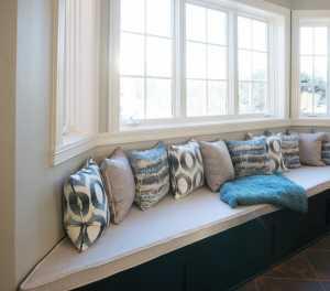 卧室房间装修成天蓝色风格好呢还是淡粉色的好