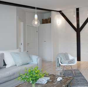 60平米小户型装修 阁楼里的暖白色调装饰