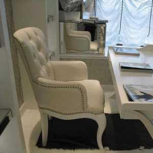 温馨舒适淡色现代三居卧室130平米三室两厅两卫装修效果