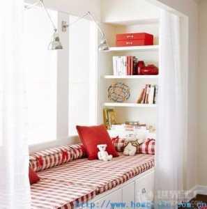 卧室床头背景墙吊灯床头灯床头柜实木家具卧室窗帘90㎡两居室简约欧式卧室背景墙装修效果图简约欧式风格实木床图片