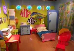红木色门现代三居卧室130平米三室两厅两卫装修效果