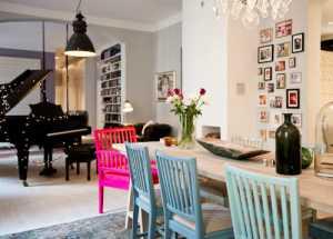 玻璃钢雕塑和泡沫雕塑哪个作为家庭装饰好用价格低